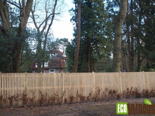 Eiken maatwerkschutting voor bostuin te Bilthoven 2